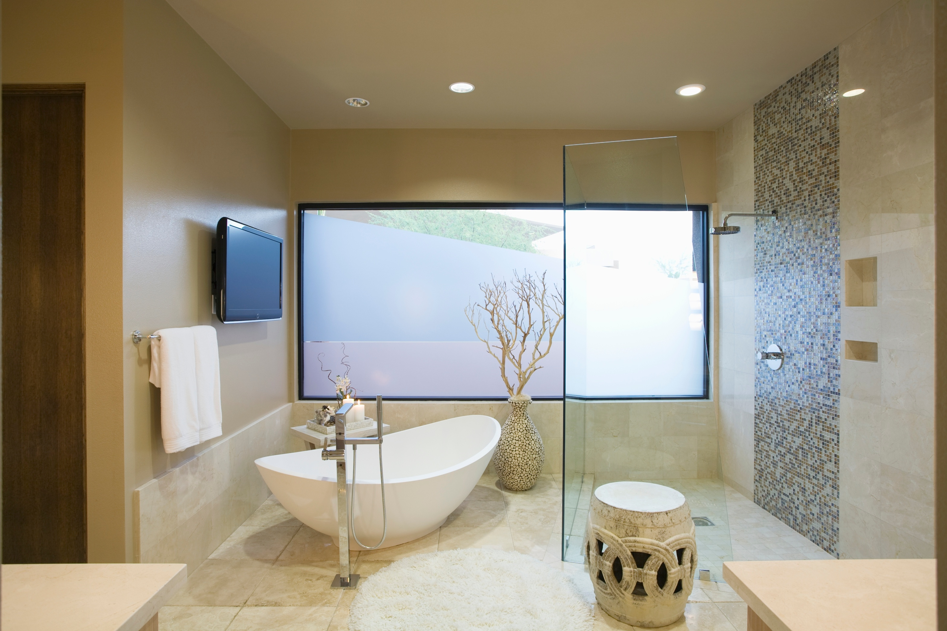 5-Essential-Features-for-Your-Master-Bathroom.jpg