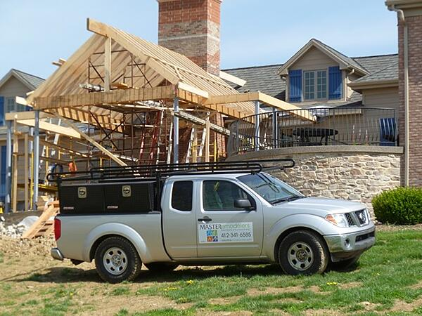 6 Factors to Consider When Choosing a Home Remodeling Contractor